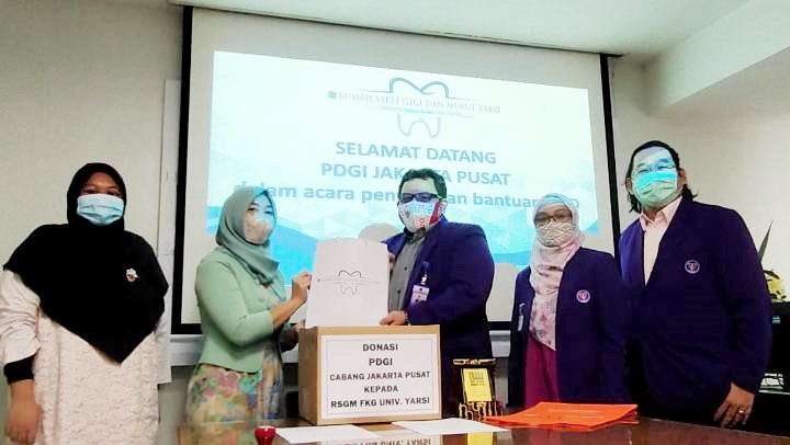 FKG UY dan RSGM YARSI Terima Donasi APD dari PDGI Jakarta Pusat - 4